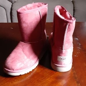 Maroon red uggs